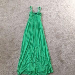 Vibrant green empire maxi slight ruffled vneck